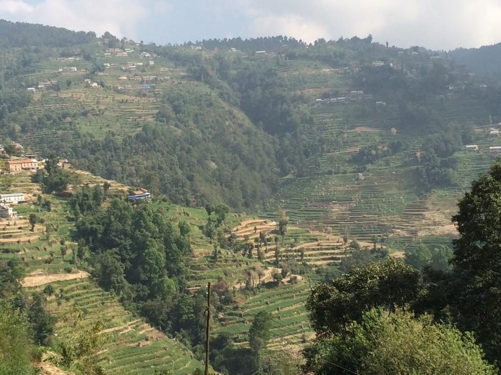 Dagens tur ned fra 2160 m.o.h. igennem landbrugsland med masser af terrasser.