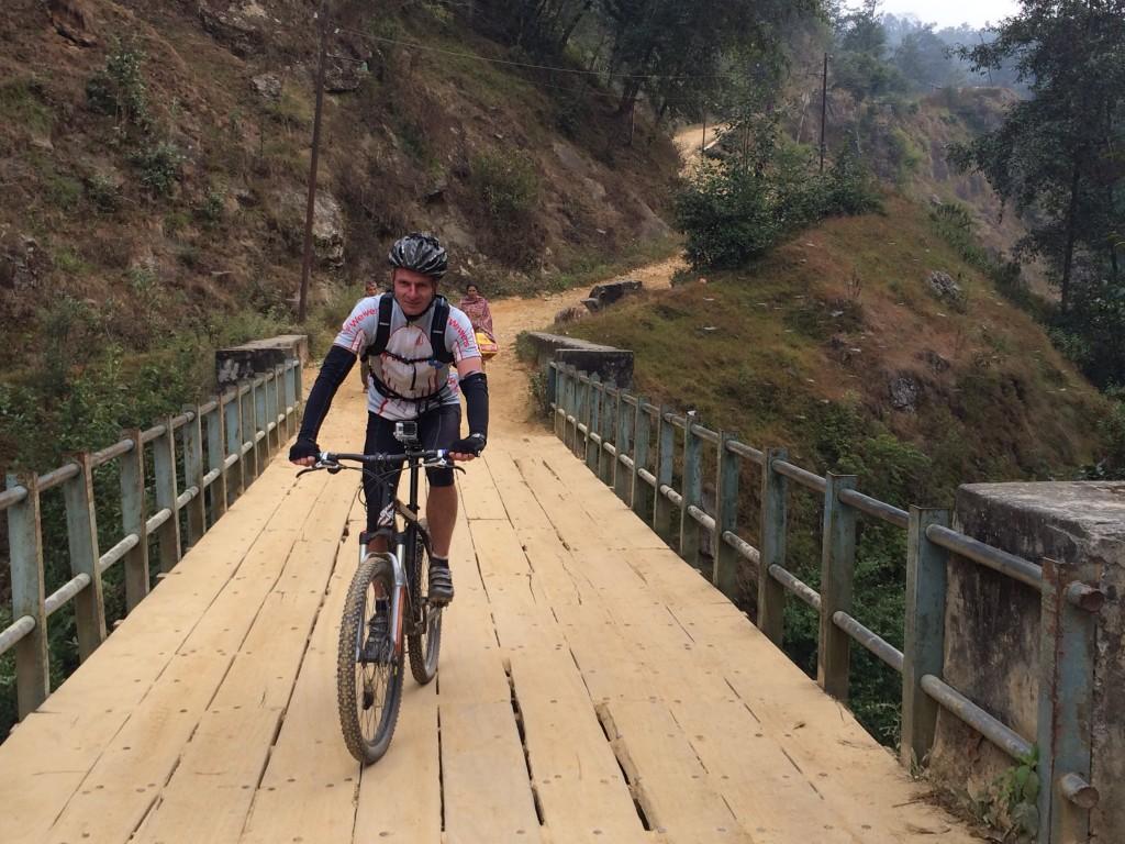 Udover små landsbyer passerede vi også 1 bro....