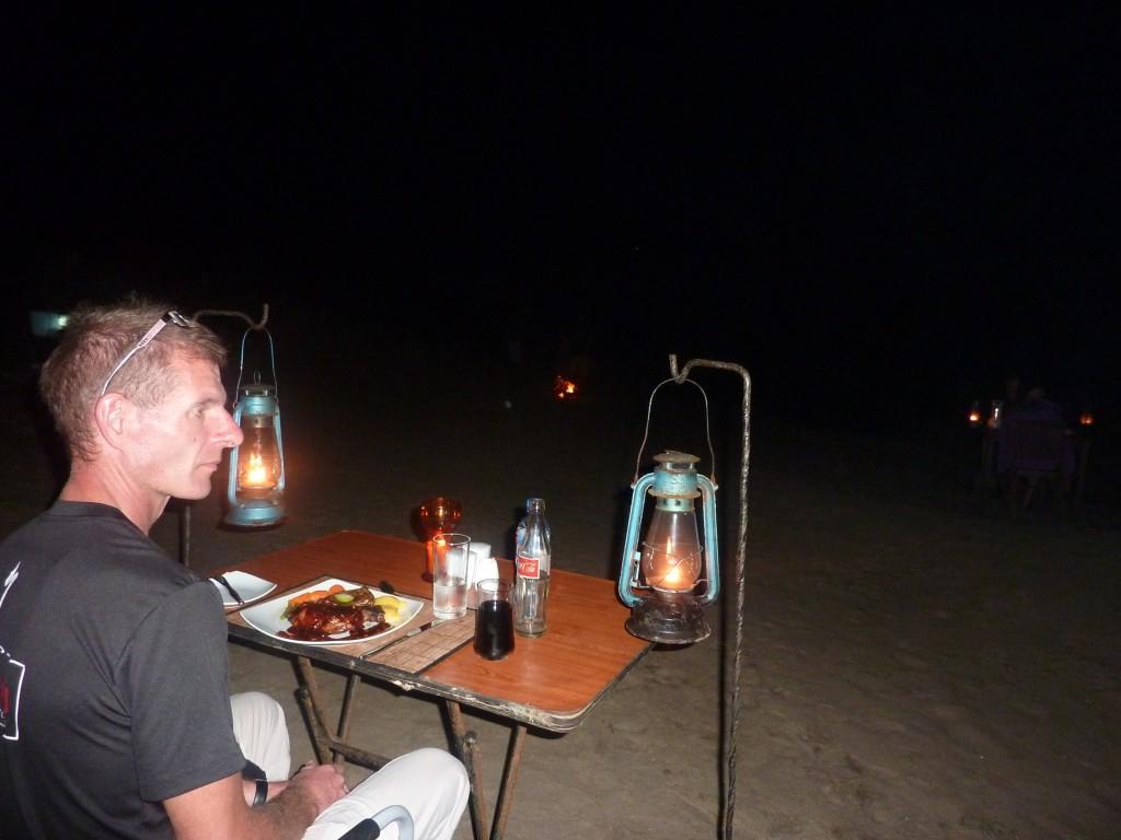 Camping ved stranden med 3-retters direkte på stranden ved Den Bengalske Bugt